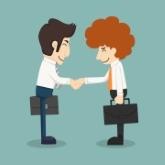 Candidat et recruteur se rencontrent et se serrent la main