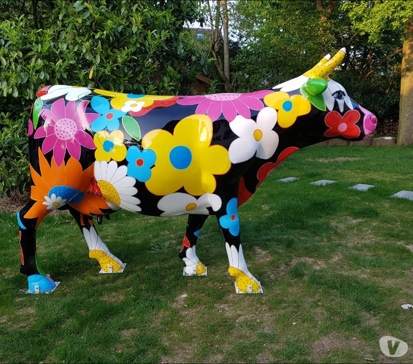 Décoration - art Gent - 9000 - Photos Vivastreet VACHE EN RESINE DESIGN FLOWER