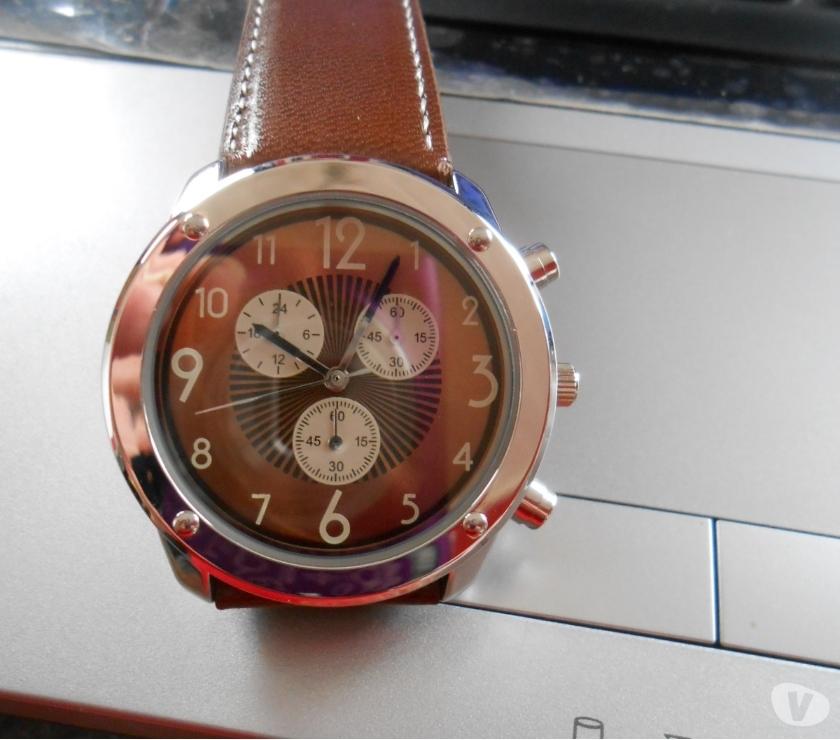 Montres occasion Philippeville - 5600 - Photos Vivastreet Avon : montre pour monsieur
