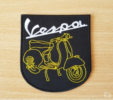 Photos Vivastreet ecusson brodé scooter vespa 8x7,5 cm thermocollant