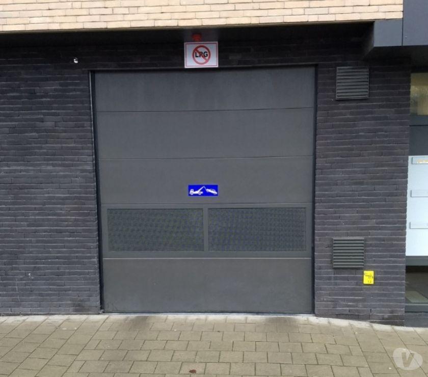 Location parking & garage Gent - 9000 - Photos Vivastreet Parking à louer Gent Sint-Salvatorstraat