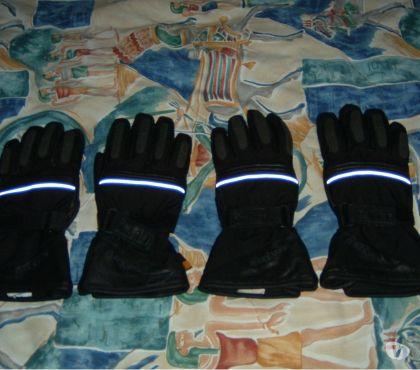 Photos Vivastreet Une paire de gants moto