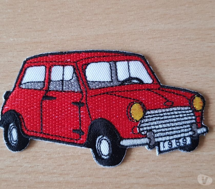 Photos Vivastreet ecusson brodé Austin mini rouge 9x5 cm thermocollant