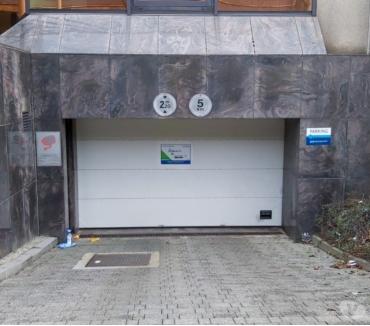 Photos Vivastreet Parking Station Métro Herrmann Debroux