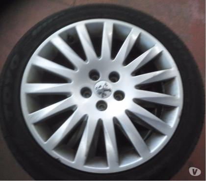Photos Vivastreet Jantes Peugeot 407 avec pneus 18''