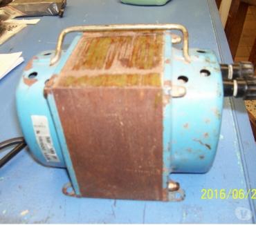 Photos Vivastreet TRANSFORMATEUR DE FORTE PUISSANCE 220 24 volts AC 650 W.