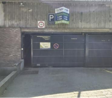 Photos Vivastreet Parking à louer Parc Reine Astrid