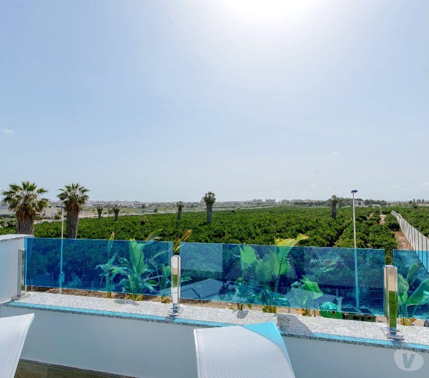 Annonce maison Espagne - Photos Vivastreet Maison jardin solarium avec vue sur la mer Ref. 3380-03547