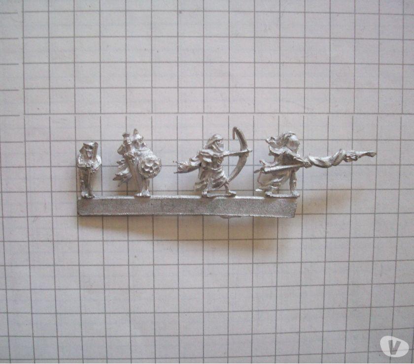 Photos Vivastreet Figurines Warmaster métal 10 mm OOP