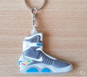 Photos Vivastreet Porte clé basket sneakers nike retour vers le futur