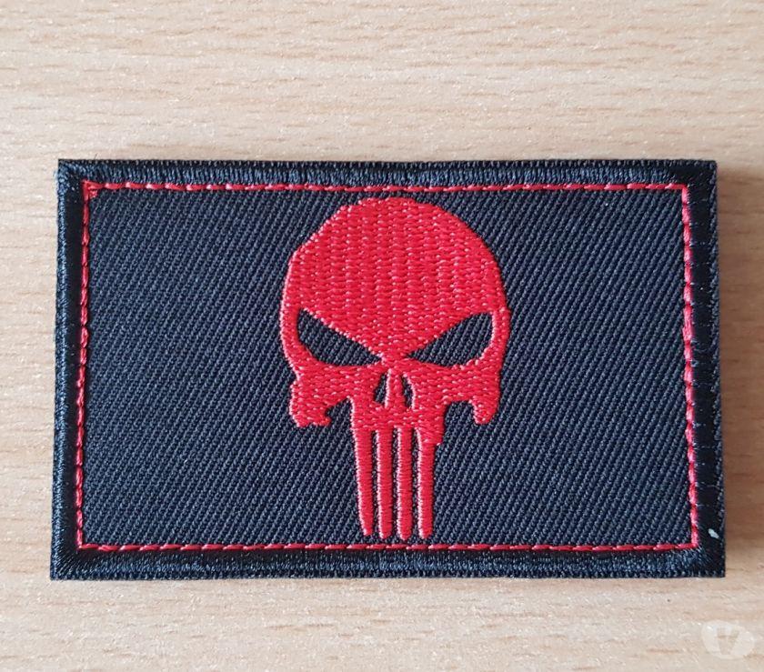 Photos Vivastreet ecusson brodé tête de mort the punisher 8x5 cm rouge noir