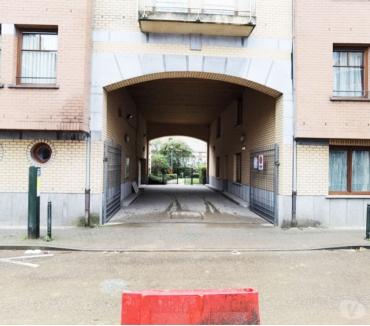 Photos Vivastreet Parking à louer Comte de Flandre Molenbeek