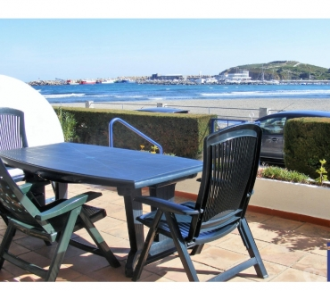Photos Vivastreet Grand appartement à première ligne de plage!