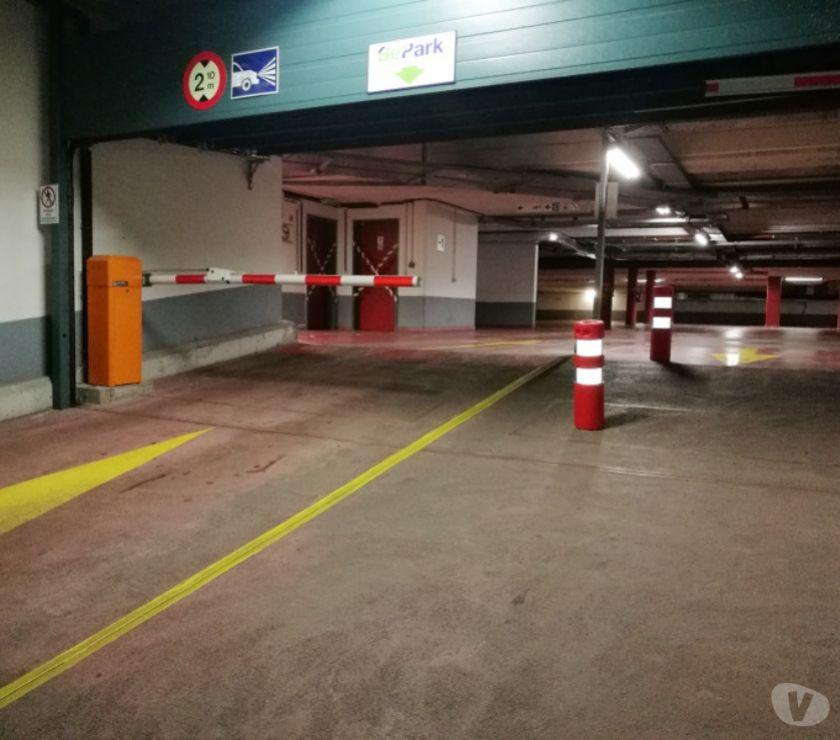 Photos Vivastreet Parking à louer Avenue du Port
