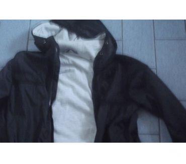 Photos Vivastreet vestes et manteaux taille 134-140