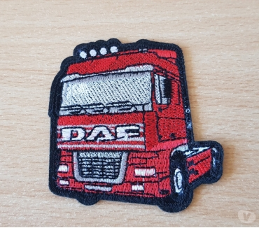 Photos Vivastreet ecusson brodé Camion truck daf rouge 7x7 cm thermocollant