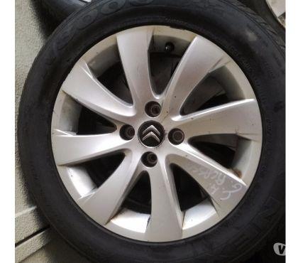Photos Vivastreet pneus sur jantes aluminium 16
