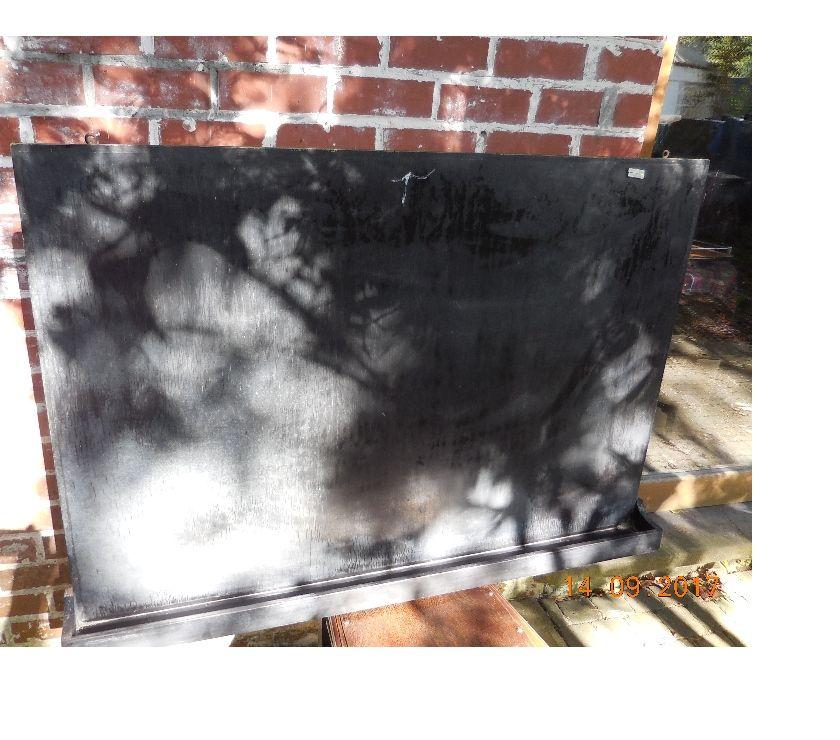 Décoration - art Herselt - 2230 - Photos Vivastreet un ancien tableau noir pour écrire avec des craies