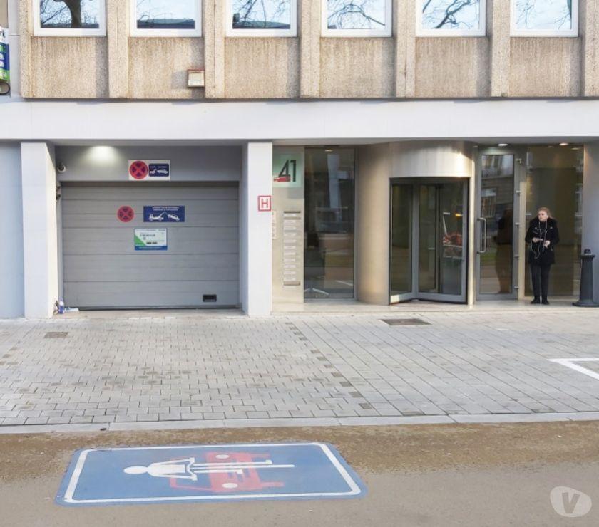 Location parking & garage Bruxelles Bruxelles - 1000 - Photos Vivastreet Parking à louer Arts-Loi Avenue des Arts 41