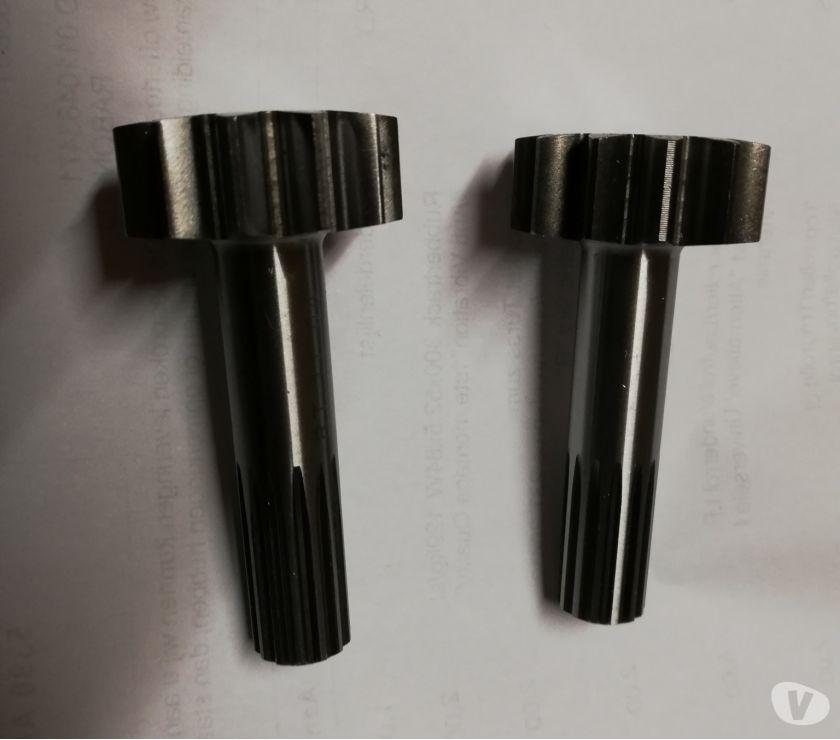 Photos Vivastreet Piece pour repare Moteur chenille motoreducteur pelle