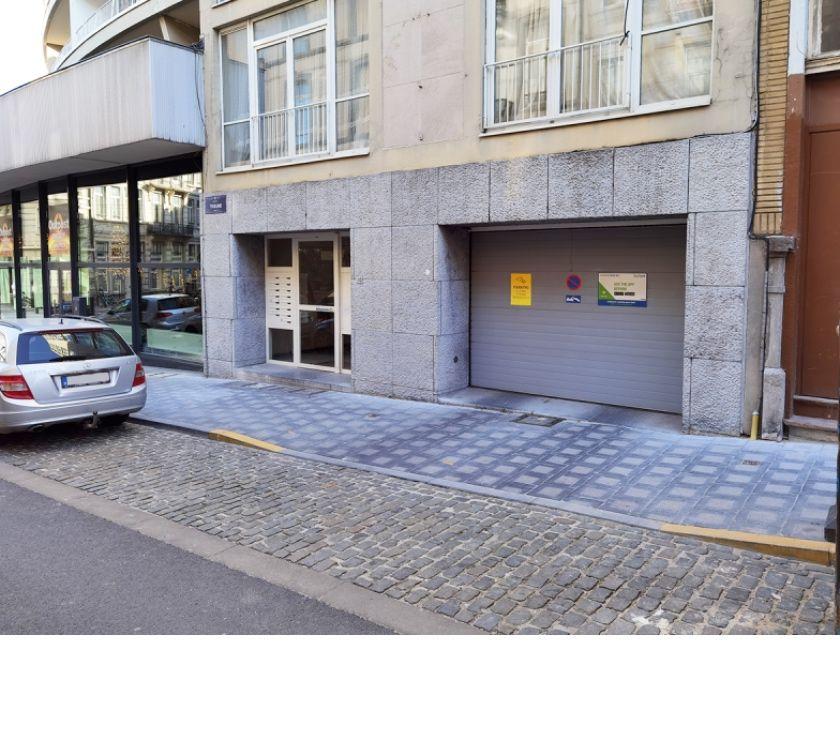 Location parking & garage Bruxelles Bruxelles - 1000 - Photos Vivastreet Parking à louer - te huur Royale Bruxelles
