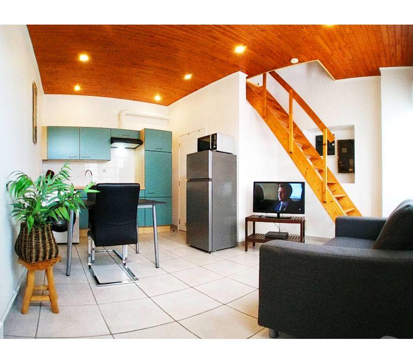 location meublé Sambreville - 5060 - Photos Vivastreet Appartement 1ch meublé au mois TV+wifi près Namur- Charleroi