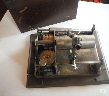 Photos Vivastreet Phonographe à cylindre pour rouleau de cire