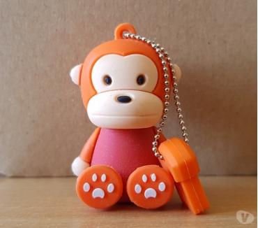 Photos Vivastreet clé usb 8 go singe monkey rouge et orange Jamais utilisée
