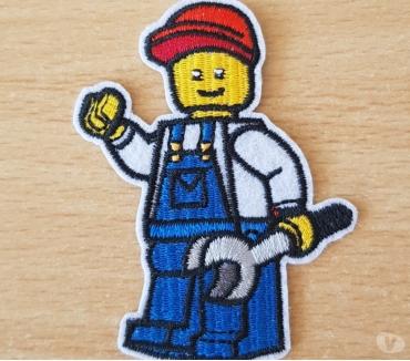 Photos Vivastreet Ecusson brodé Lego ouvrier 7x5 cm thermocollant