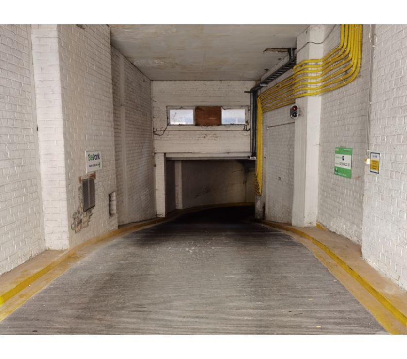 Location parking & garage Bruxelles Bruxelles - 1000 - Photos Vivastreet Parking à louer - te huur Freedom Quartier Bruxelles