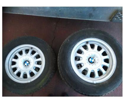 Photos Vivastreet pneus 15'' sur jantes pour BMW