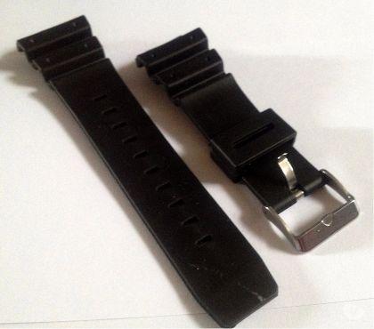 Photos Vivastreet Bracelet - montre noir en caoutchouc silicone 16mm