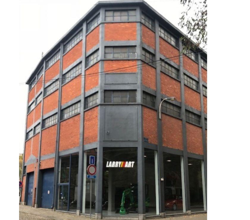 Location parking & garage Verviers Verviers - 4800 - Photos Vivastreet Emplacement pour voitures de prestige,ancêtres , SECURISE