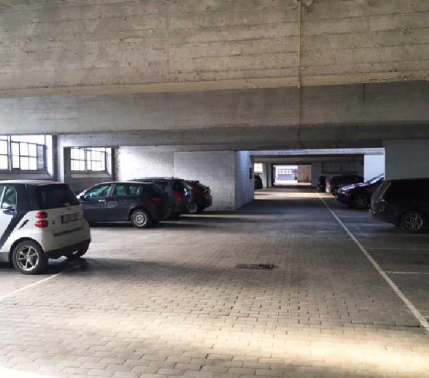 Location parking & garage Ixelles - 1050 - Photos Vivastreet Parking à. louer - te huur Adolphe Buyl