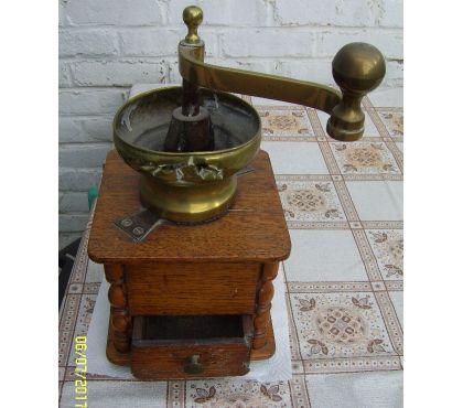 Photos Vivastreet ancien moulin à café à saisir pour amateur !