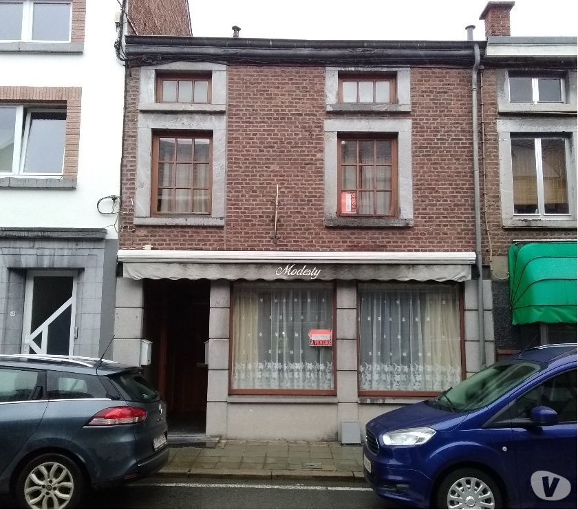 Photos Vivastreet A vendre : rochefort: commerce et 2 appartements