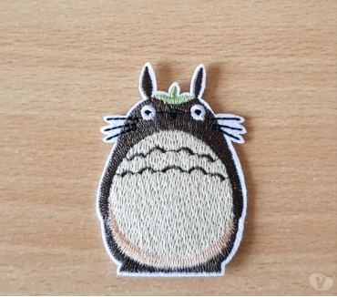 Photos Vivastreet ecusson brodé patch mon voisin totoro 7x5 cm thermocollant
