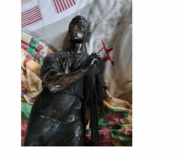 Photos Vivastreet Une statue en plâtre signée G. Van Vaerenbergh