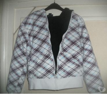 Photos Vivastreet veste tirette capuchedouble garcon tl 10ans