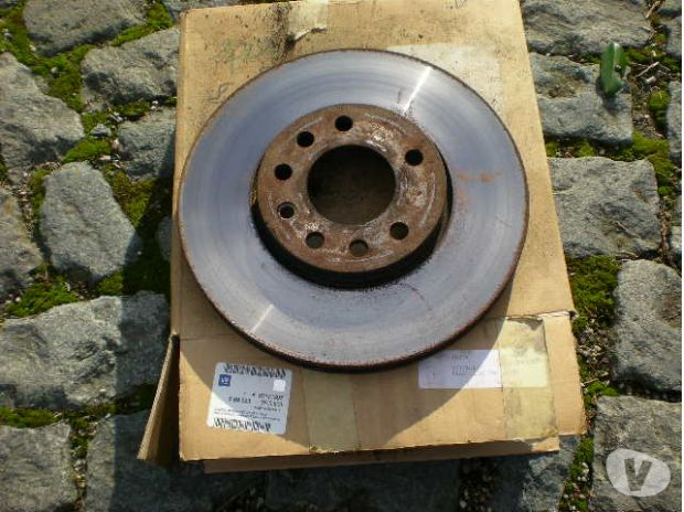 Pièces et services auto Profondeville - 5170 - Photos Vivastreet disques de freins avant SAAB 9.3 sporthatch