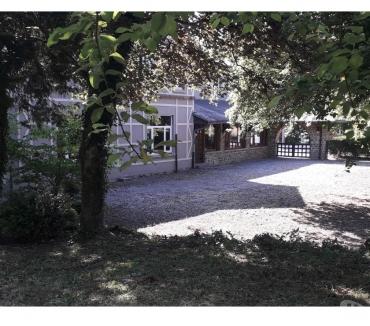 Photos Vivastreet A vendre à Rochefort :grande maison de charme : urgent