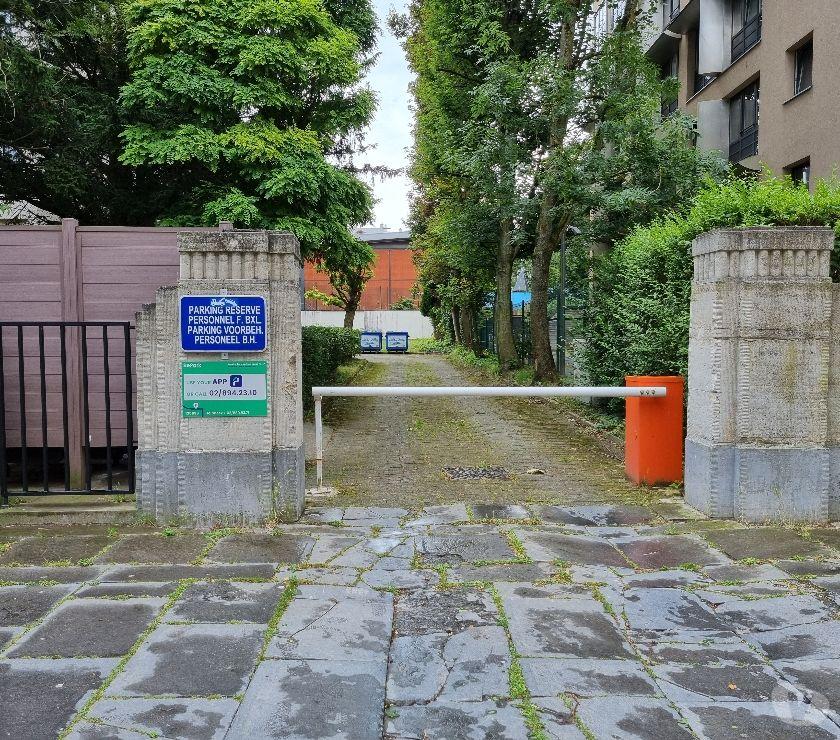 Location parking & garage Bruxelles Bruxelles - 1000 - Photos Vivastreet Parking à louer ULB arrêt Solbos