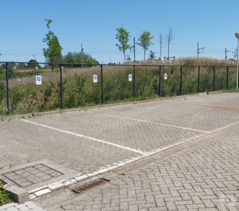 Location parking & garage Berchem - 2600 - Photos Vivastreet Parking te huur Karel Coggestraat