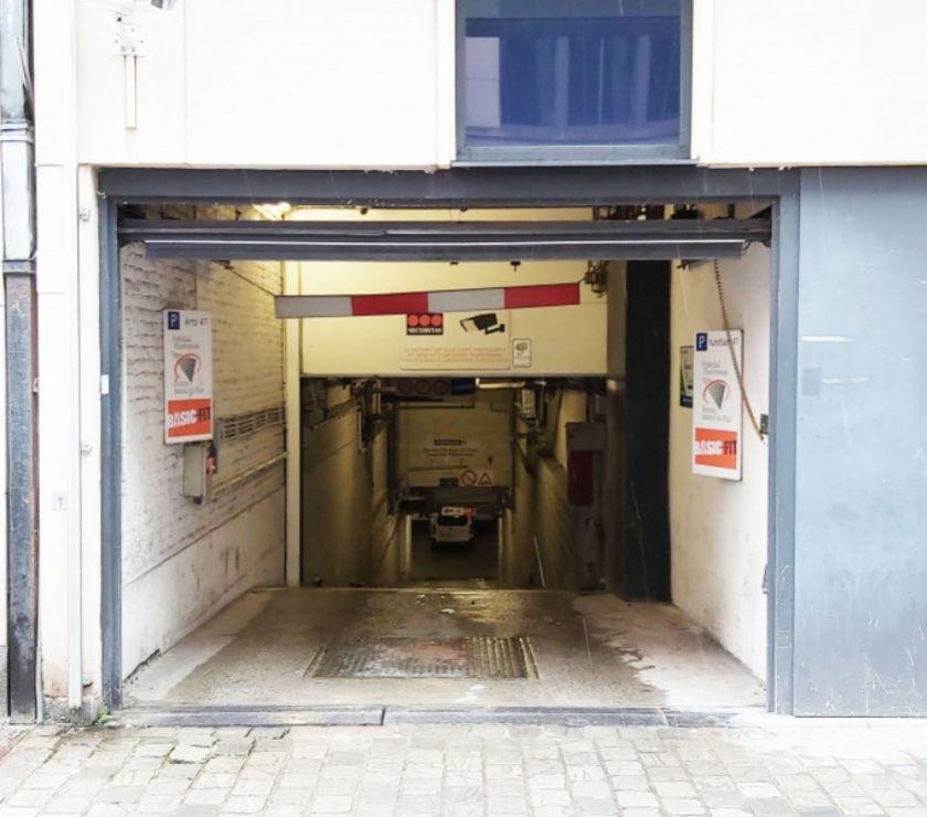 Photos Vivastreet Parking à louer Montoyer