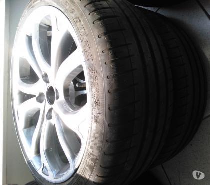 Photos Vivastreet 4 jantes 18'' Citroën C4 avec 2 pneus Michelin