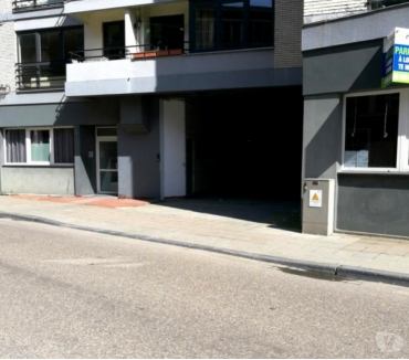 Photos Vivastreet Parking à louer Parking Fragnée Quai de Rome