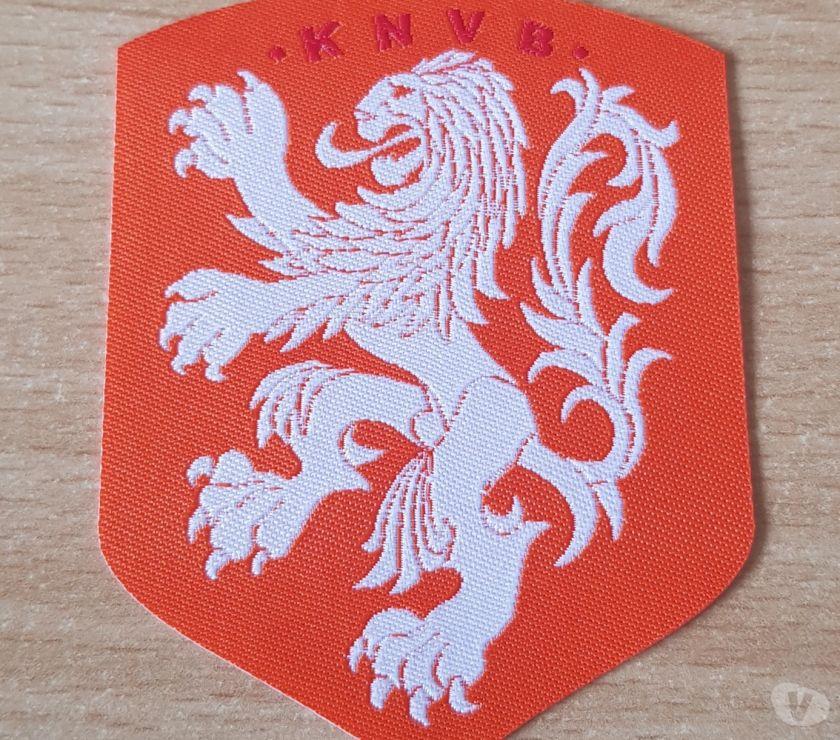 Collections Bruxelles Bruxelles - 1000 - Photos Vivastreet écusson patch fédération royale néerlandaise de football