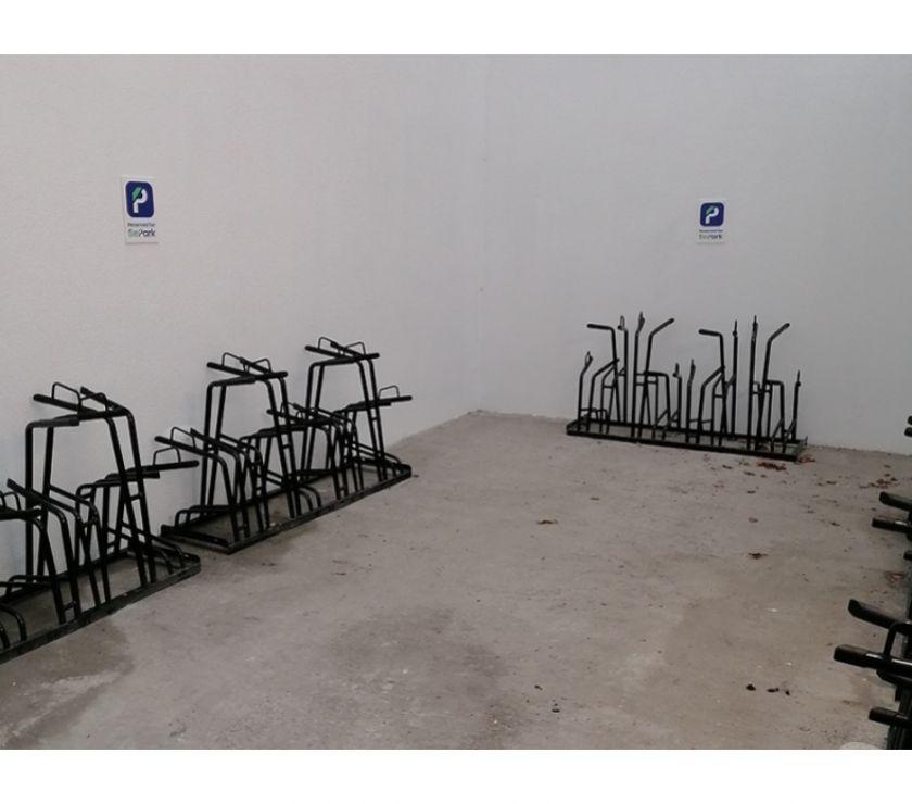 Location parking & garage Bruxelles Bruxelles - 1000 - Photos Vivastreet Parking à vélos à louer - te huur Chatelain Brussels