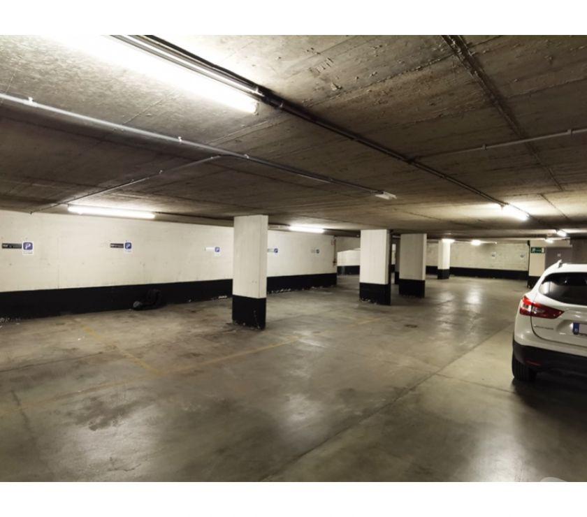Location parking & garage Bruxelles Bruxelles - 1000 - Photos Vivastreet Parking voiture - vélo à louer te huur Place Stéphanie