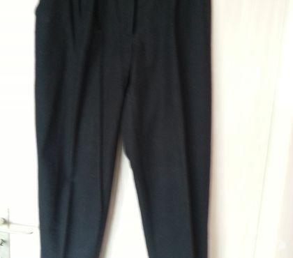 Photos Vivastreet Pantalon noir à revers
